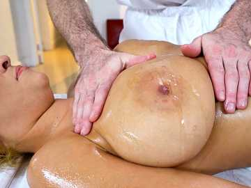 Buxom woman Jazmyn loves very much hands and dick of her new masseur
